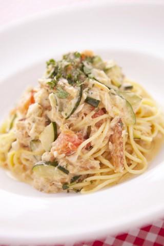 spaghetti granchio e zucchini